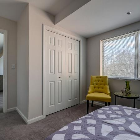Vast Bedroom | Manchester Apartments | Carisbrooke at Manchester