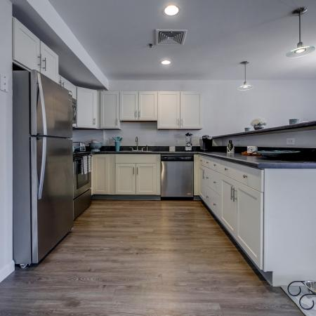 Luxurious Dining Room | Manchester New Hampshire Apartments for Rent | Carisbrooke at Manchester