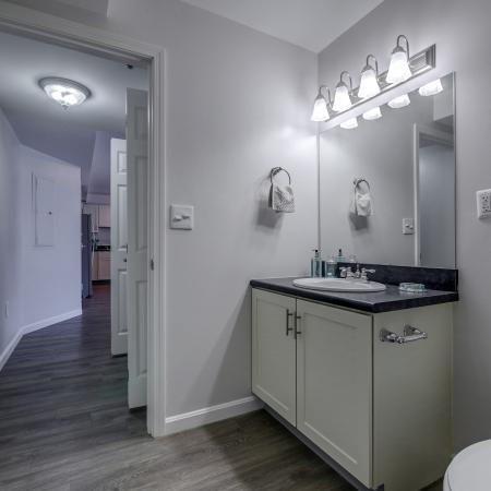 Pristine Master Bathroom | Manchester New Hampshire Apartments for Rent | Carisbrooke at Manchester
