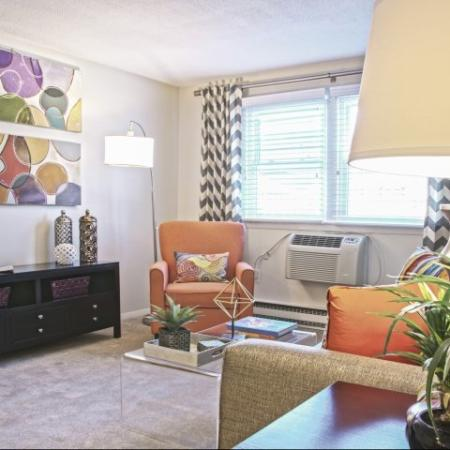 Lively sitting area | Princeton Dover Apartments
