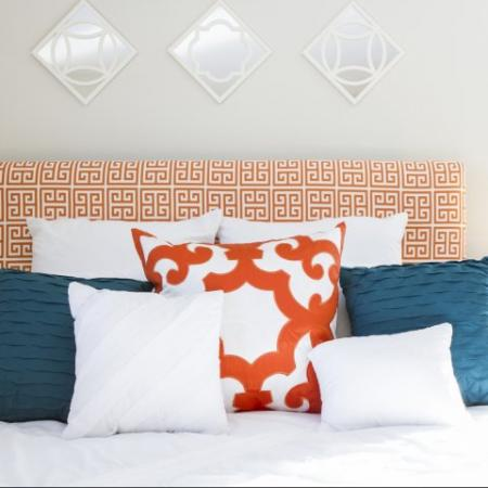 Simple and Vibrant Bed | Princeton Dover | Dover NH Apartment Buildings