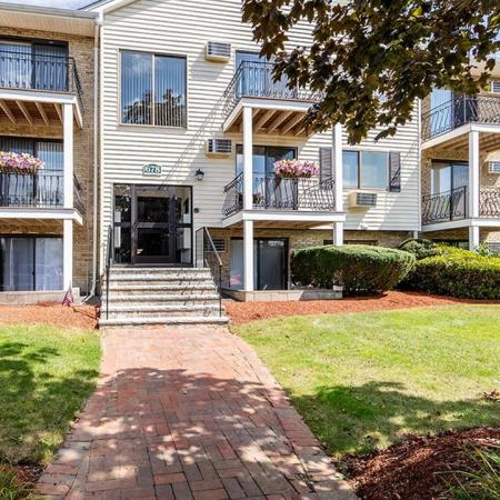 Princeton Park Leasing Office - apartments for rent in Lowell MA