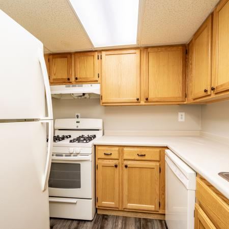 State-of-the-Art Kitchen | Apartments For Rent Nashua Nh Pet Friendly | Forest Ridge Apartments