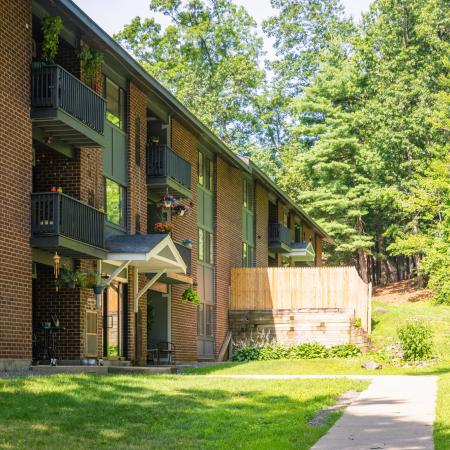Paved Walking Trails | Apartments For Rent In Nashua Nh | Forest Ridge Apartments