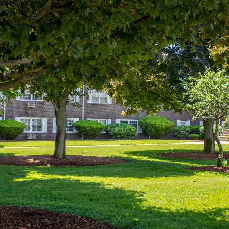 Beautifully landscaped grounds at Princeton Crossing | Apartments For Rent in Salem MA
