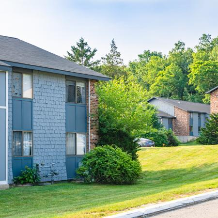 Beautifully Landscaped Grounds   Apartments For Rent In Haverhill Ma   Princeton Bradford Apartments