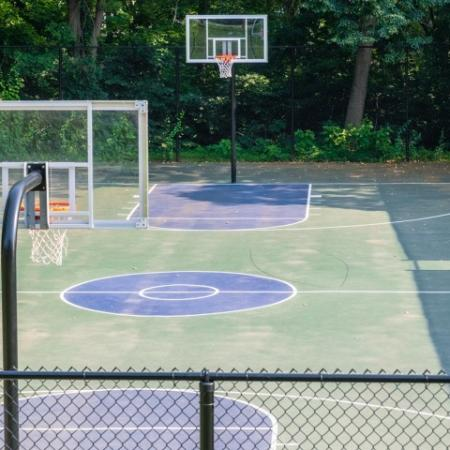 Outdoor basketball courts at Princeton Bradford apartments near Haverhill, MA.