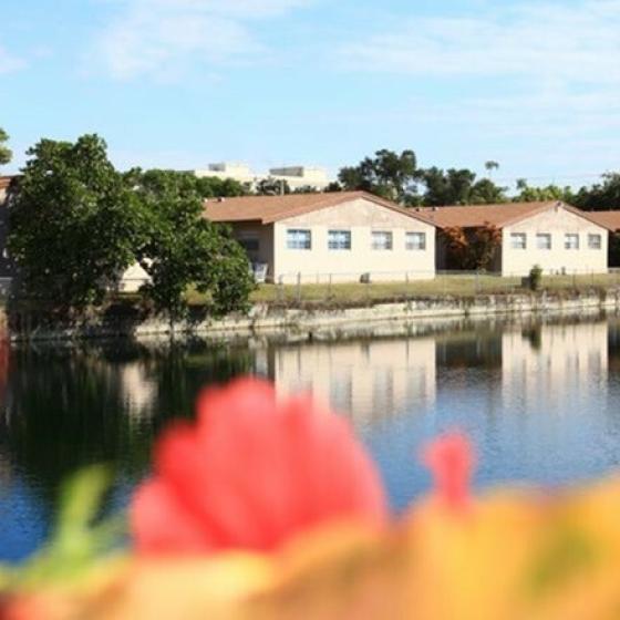 Waterfront Views | Apartments Pembroke Pines | Azure Villas
