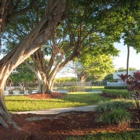 Lushly Landscaped Grounds | Alister Boca Raton