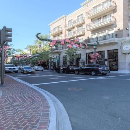 Close to Restaurants and Shopping | Modera Glendale