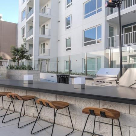 Outdoor Grills and Kitchen for Entertaining | Modera Glendale