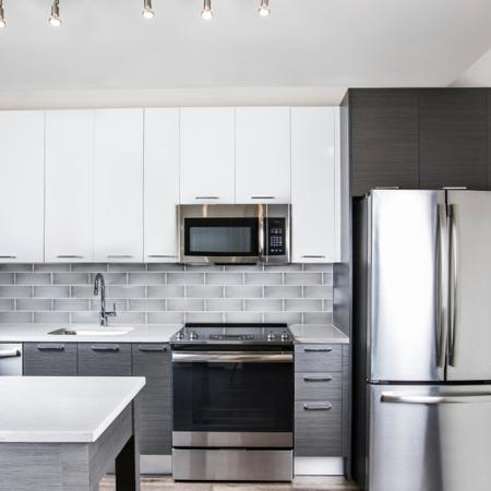 Elegant Kitchen | Apartment Homes in Fairfax, VA | Modera Mosaic