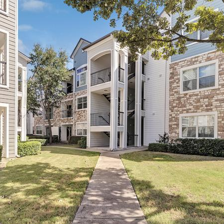 Exterior Walkways | Alister Balcones | Austin, Texas | Apartment Homes | Cozy Living Spaces