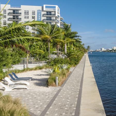 Studio 1-, 2-, and 3-bedroom apartments on Florida's Intracoastal Waterway overview