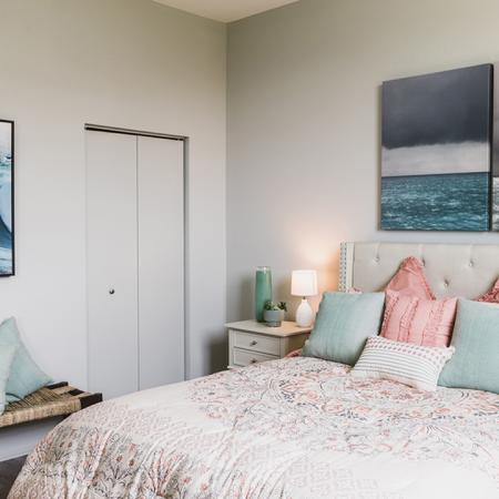 Bedroom with pink and aqua decor