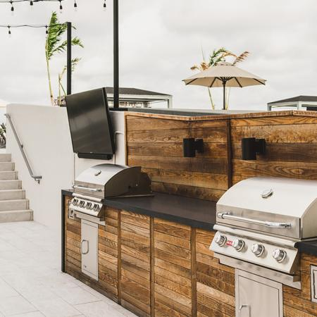 Built-in double grills on outdoor terrace