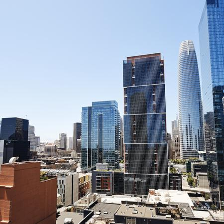 A sunny day on the rooftop with sweeping city views at Modera Rincon Hill.