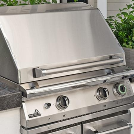 Grilling stations with alfresco dining areas
