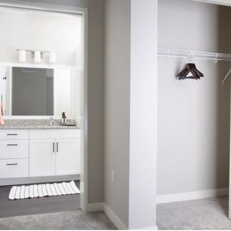 Closet/Bathroom