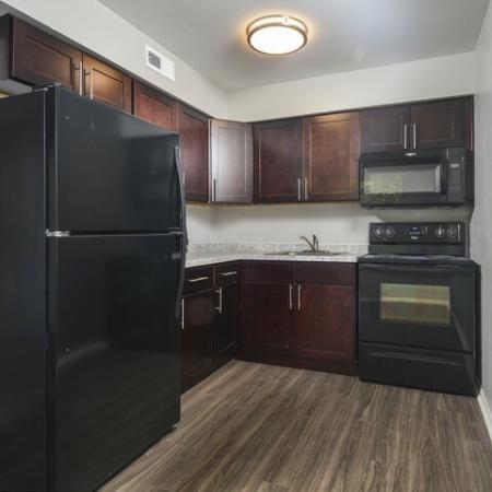 Elegant Kitchen | Burlington Apartments | Burlington Pointe