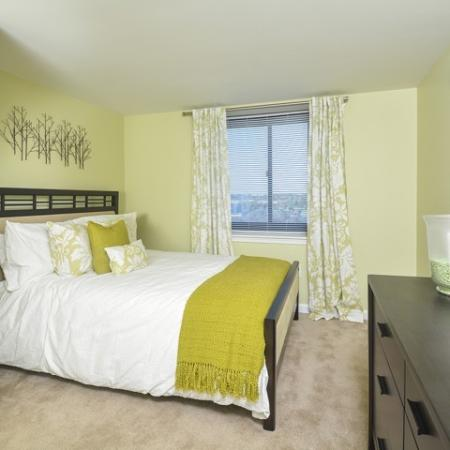 Luxurious Bedroom   Luxury Apartments In Cherry Hill NJ   Cherry Hill Towers