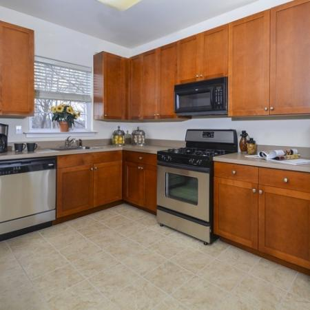 Luxurious Kitchen | Manayunk Apartments | The Glen at Shamont Station