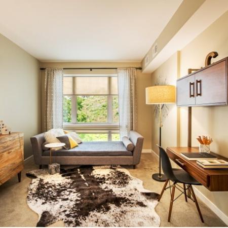 Cosmopolitan Elegant Bedroom Apartment in North Hills Pittsburgh