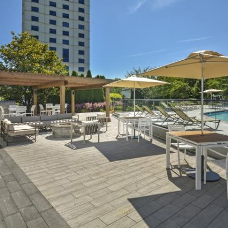 Community Patio and Sundeck  Luxury Apartments In Cherry Hill NJ   Cherry Hill Towers