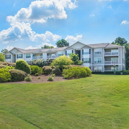 Expansive Grounds | Apartments For Rent Conyers Ga | Lake St. James