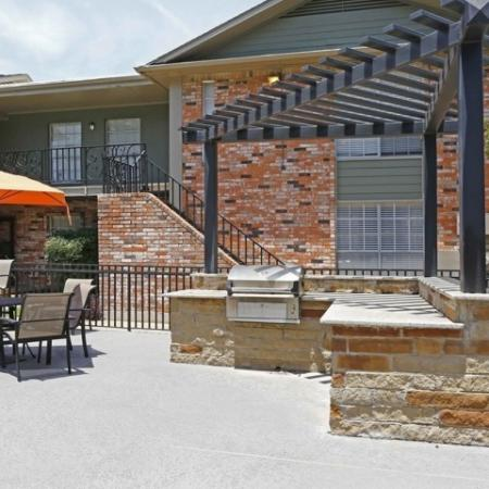 Resident BBQ | Apartments in Richardson, TX | Belle Grove