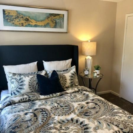 Elegant Bedroom | Mobile Housing | Timber Ridge Apartments