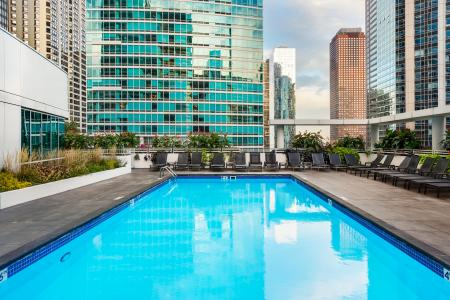 Swimming Pool | The Streeter Luxury Apartments