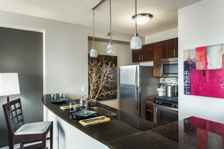 Modern Kitchen | The Streeter Luxury Apartments