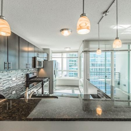 State-of-the-Art Kitchen | The Streeter Luxury Apartments