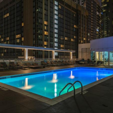 Swimming Pool | Apartment Homes in Chicago, IL | The Streeter