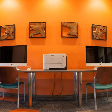 Community Business Center | Apartments in Lincoln | The View