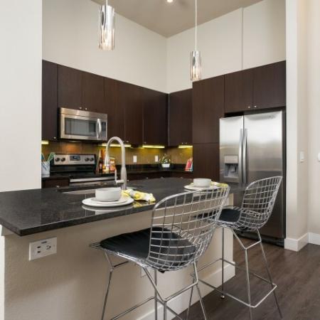 Elegant Dining Room   Apartments For Rent In Oak Lawn Dallas   4110 Fairmount