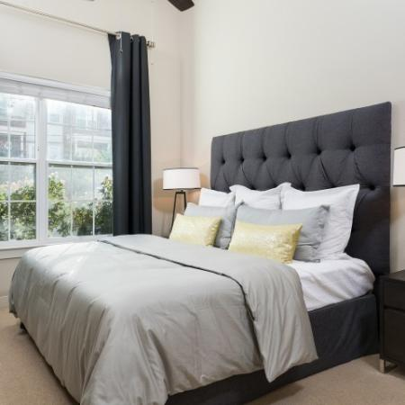 Luxurious Master Bedroom | Apartments In Oak Lawn Dallas | 4110 Fairmount