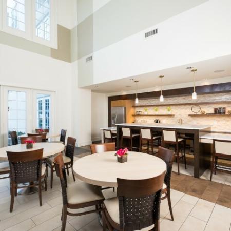 Elegant Community Club House   Oak Lawn Dallas Apartments   4110 Fairmount 5