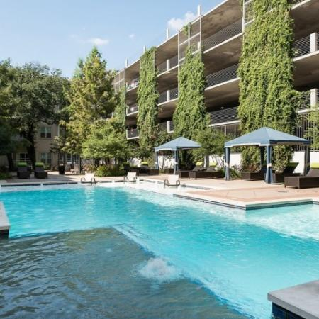 Sparkling Pool | Apartments For Rent In Oak Lawn Dallas | 4110 Fairmount