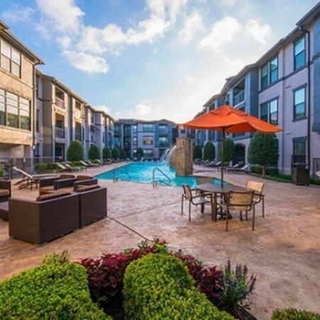 Community Sun Deck | Knox Henderson Apartments | Fitzhugh Urban Flats
