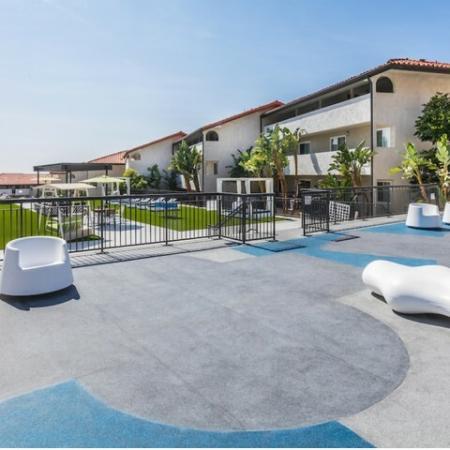 Outdoor Deck + Lounge