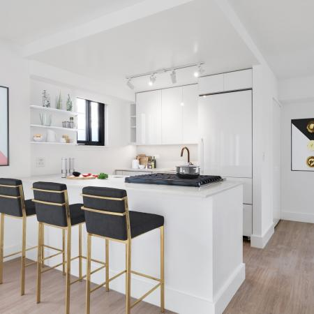 Kitchen with seating bar