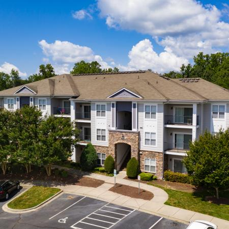 Avana Lake Norman building