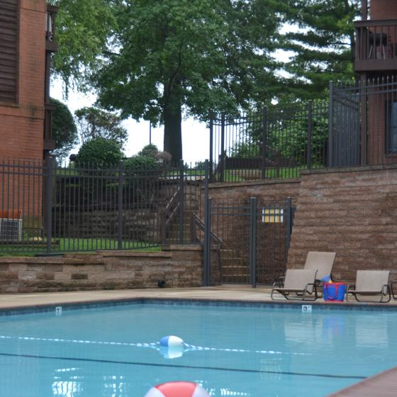 Swimming Pool | St. Louis Apartments | South Summit