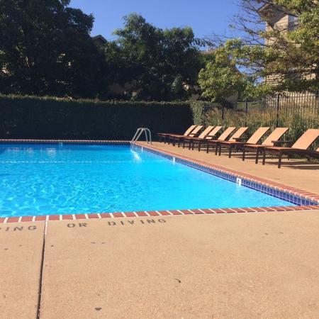 Sparkling Pool | arnold apartments | Richardson Place