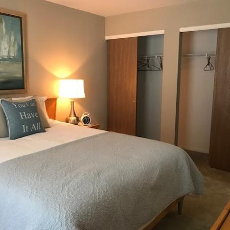 Elegant Bedroom | apartments in arnold mo | Richardson Place