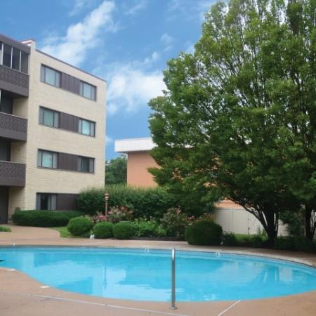 Heated, Year-Round Swimming Pool | St. Louis Apartments | Fontainebleau