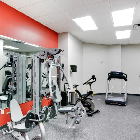 Edge On Oak Apartments Lifestyle - 24 Hour Fitness Gym
