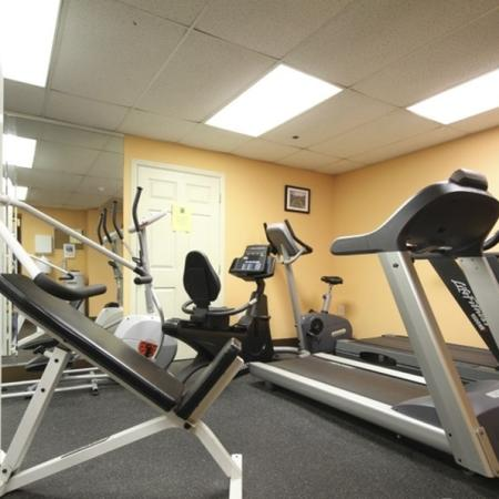 Carriage House Apartments Lifestyle - 24 Hour Fitness Gym